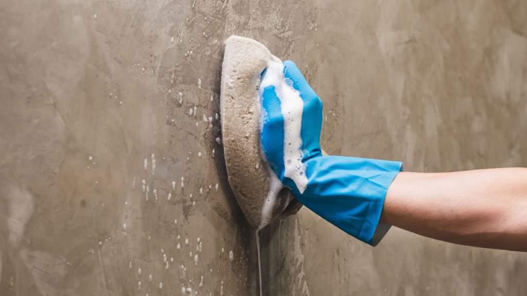 Como limpar microcimento